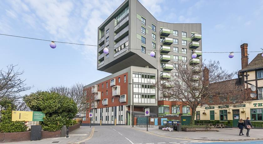 Stratford City - Edge Apartments