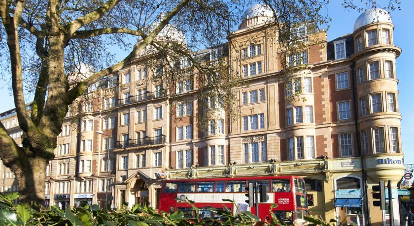 Hilton Hyde Park Hotel