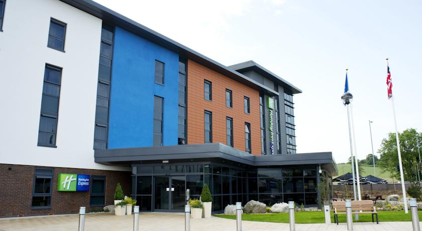 Holiday Inn Express Dunstable Hotel