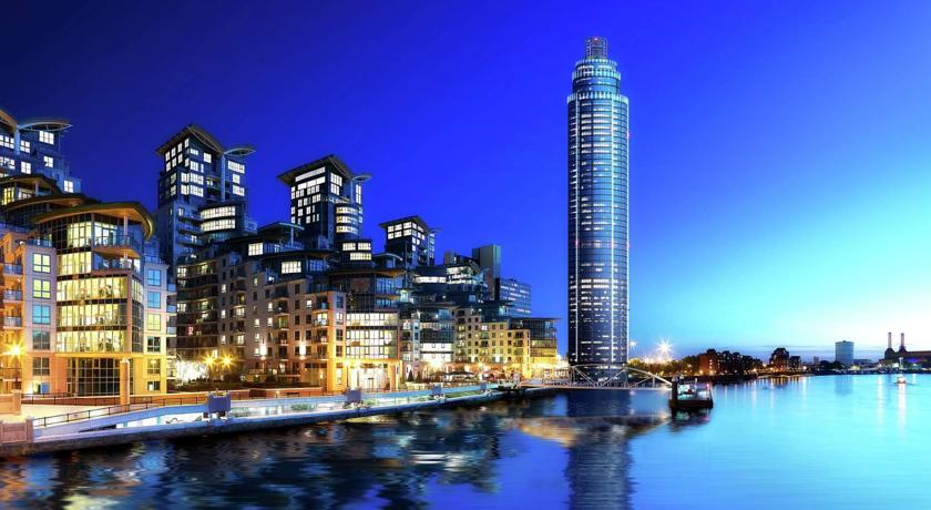 Modern Apartment Riverside Top Floor