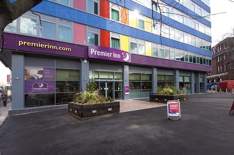 Premier Inn Leicester City Centre Est Price Guaranteed 25 60 Off From Hotel Official Website Pop In Hotels