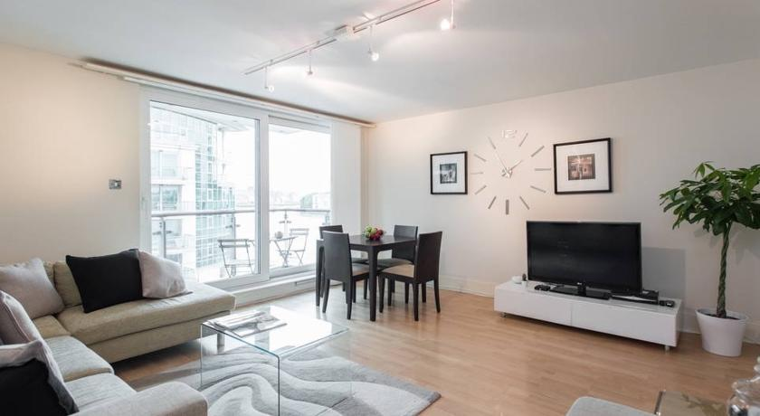 River Thames 2 Bedroom Apartment