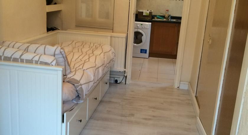 Wimbledon Studio Flat